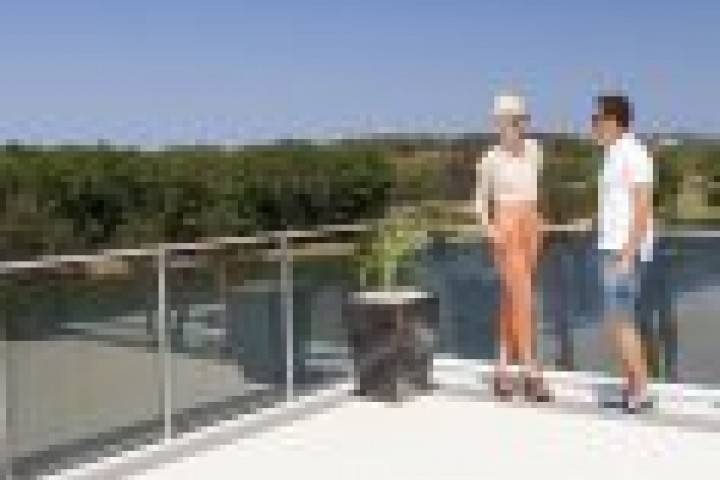 National Balustrades and Railings Glass Balustrades 720 480